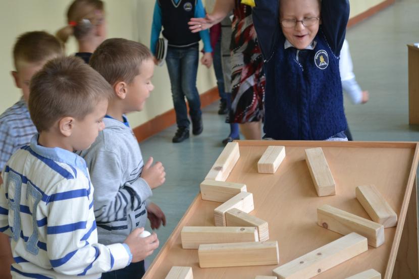 """Projekta """"MINIPHÄNOMENTA"""" atklāšana Jelgavas 2. pamatskolā"""