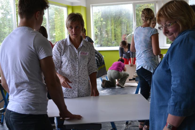 Skolotāji mācās par 52 aizraujošiem eksperimentiem skolas gaitenim un klases telpai
