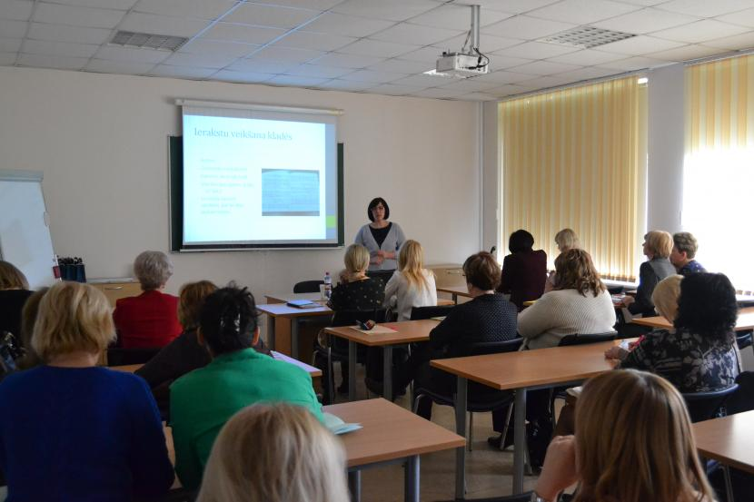 """Konference sākumskolas pedagogiem – """"Lasītprasmes tendences tehnoloģiju laikmetā"""""""