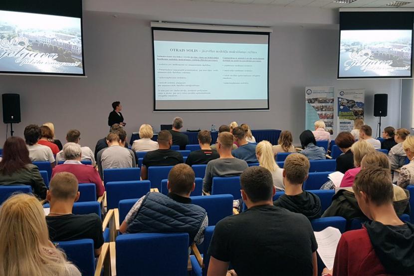 """Konsultatīvais seminārs """"Pirmie soļi topošajiem uzņēmējiem"""" sadarbībā ar VID"""