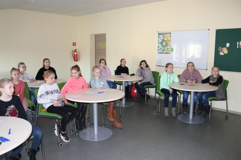 Sarunas par pieaugšanu ar meitenēm un viņu vecākiem