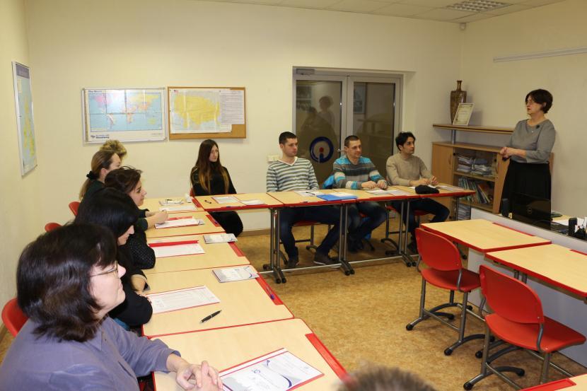 """Mācības projektā """"Latviešu valodas apguves un pilnveides kursi pieaugušajiem Jelgavā"""""""
