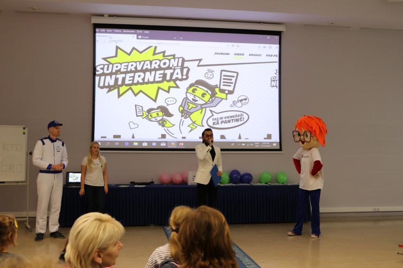 """Sociālā kampaņa """"Supervaroņi internetā"""""""